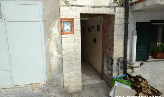 ingresso-casa-via-umberto-I-aielli