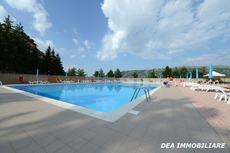 piscina esterna residence