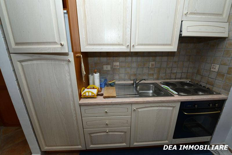 appartamento trilocale residence altair gran sasso cucina