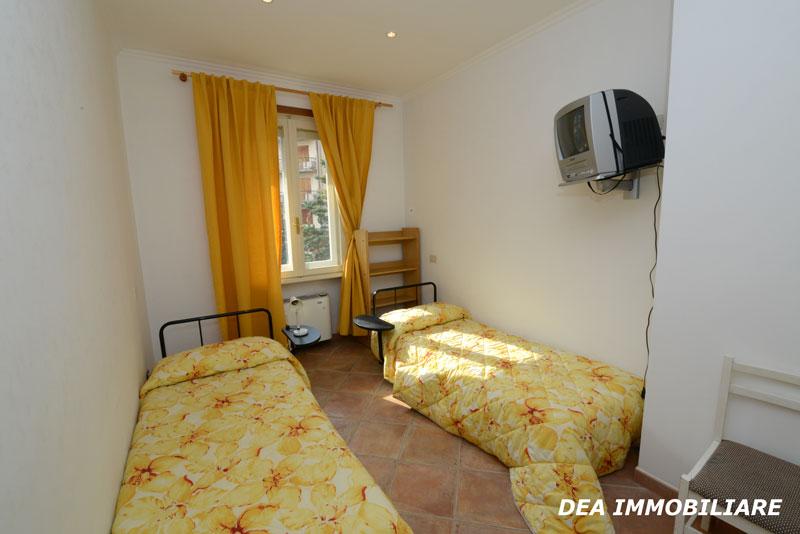 appartamento trilocale residence altair gran sasso cameretta