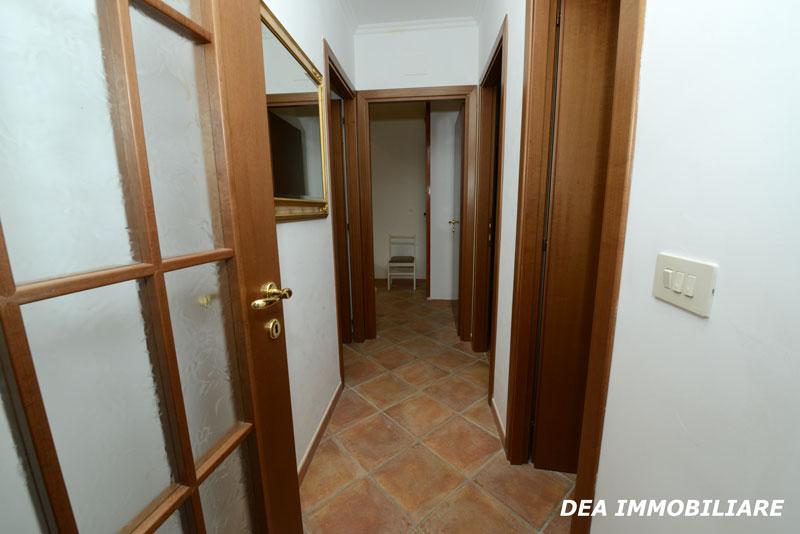 appartamento trilocale residence altair gran sasso corridoio