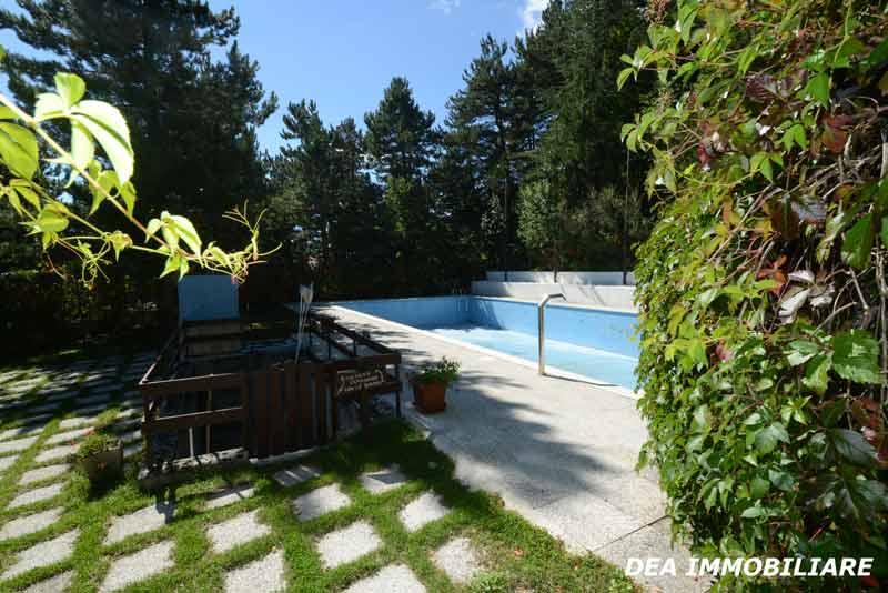 roccione0-piscina