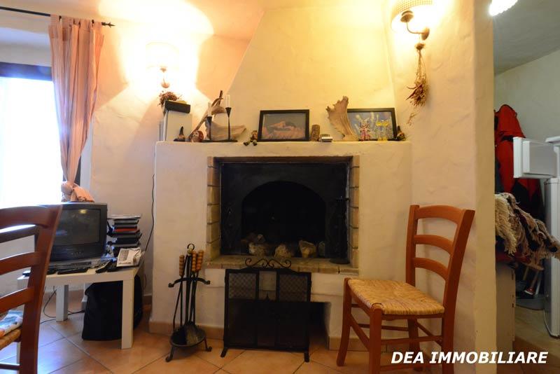 Ovindoli-centro-storico-casa-camino