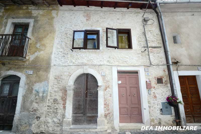 Ovindoli-centro-storico-casa-indipendente