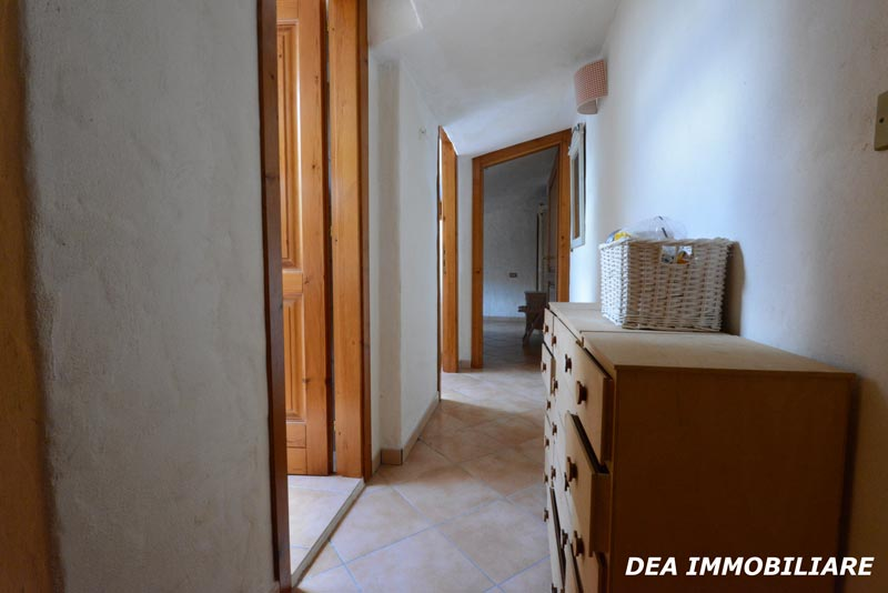 Ovindoli-centro-storico-casa-piano-mansarda