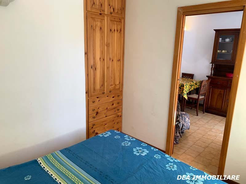 Camera-appartamento-piano-terra-via-del-Ceraso