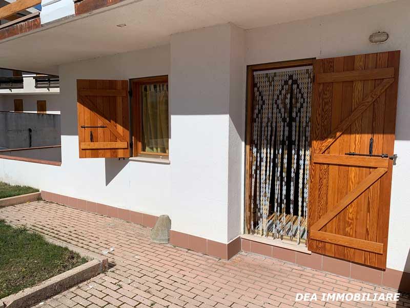 Finestra-accesso-giardino-appartamento-piano-terra-via-del-Ceraso