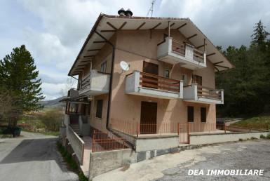 Appartamento quadrilocale via Chiuchiarelli, Ovindoli