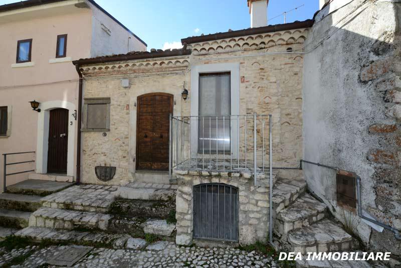 Casa indipendente in vendita a Rovere.