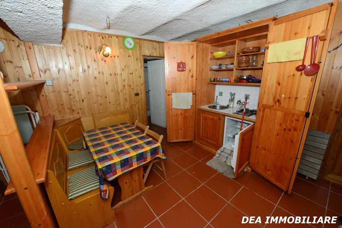 Tinello-appartamento-monolocale-via-della-fonte-Ovindoli