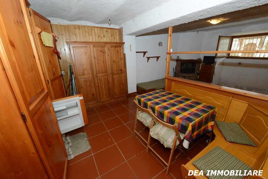 Altra-foto-angolo-cottura-appartamento-monolocale-via-della-fonte-Ovindoli