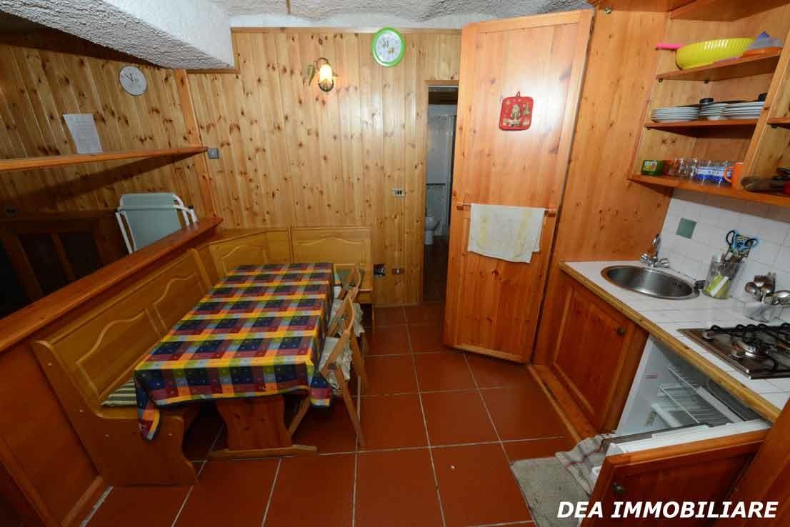 Angolo-cottura-appartamento-monolocale-via-della-fonte-Ovindoli