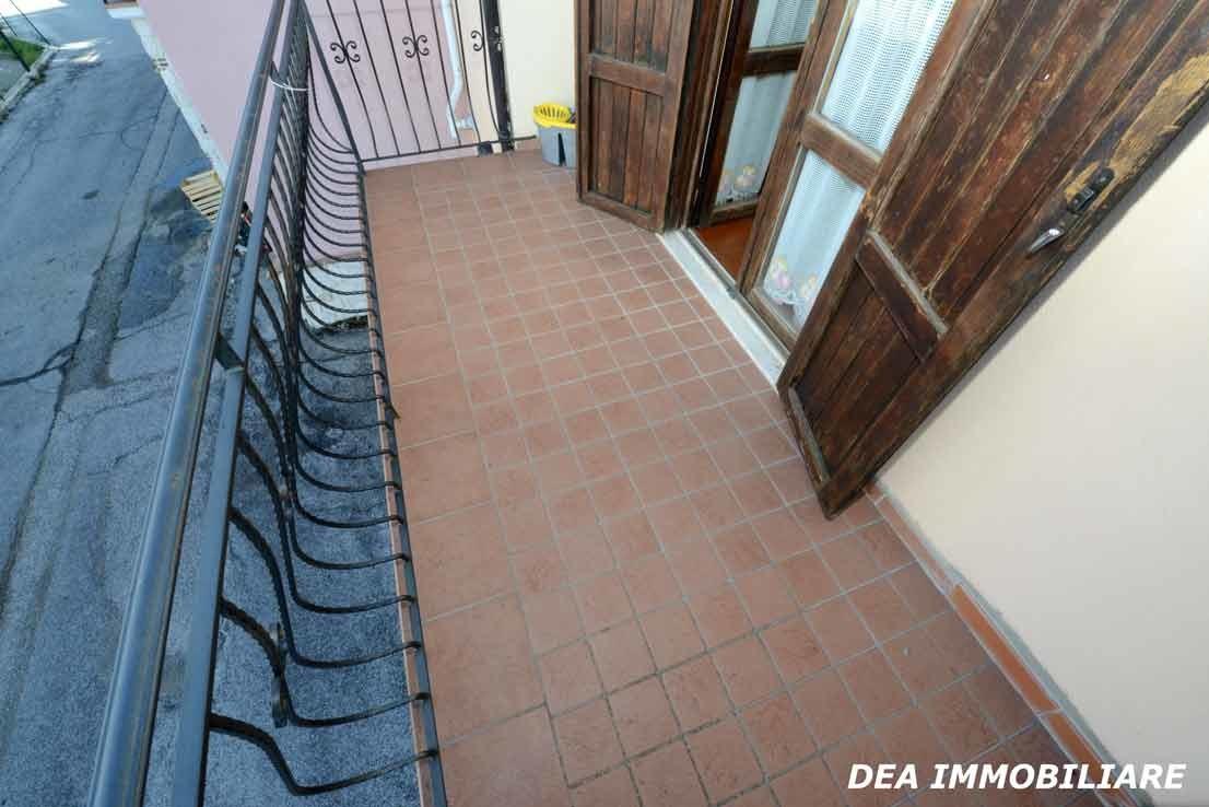 balcone della cucina del villino a schiera di via sirente ad Ovindoli
