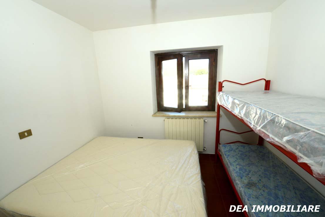 camera-da-letto-matrimoniale-del-villino-a-schiera-di-via-sirente-Ovindoli