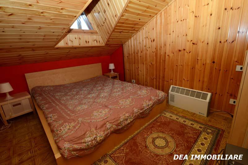 Seconda-camera-matrimoniale-appartamento-trilocale-residence-le-marmotte