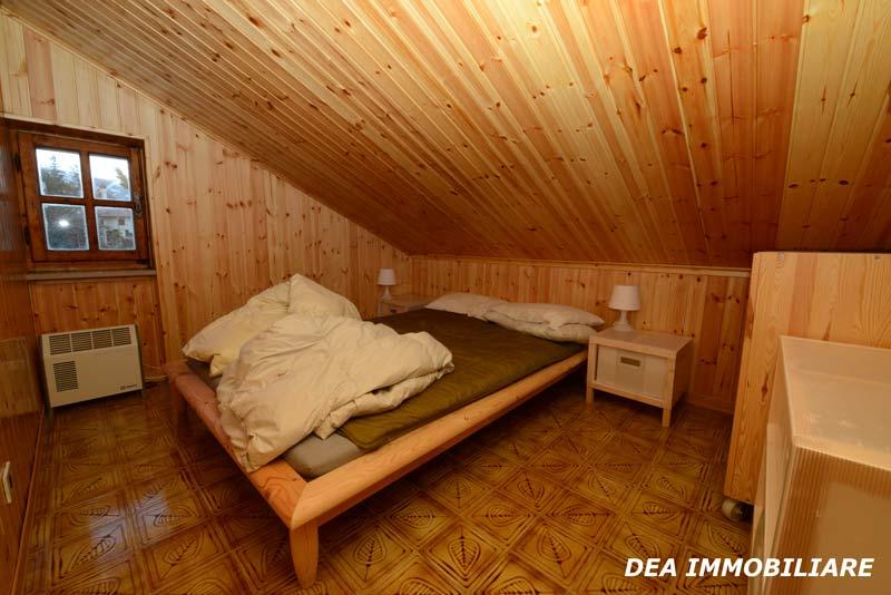 Camera-matrimoniale-appartamento-trilocale-residence-le-marmotte