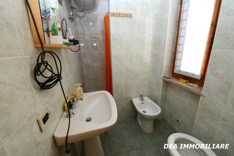 Servizio-con-doccia-appartamento-trilocale-residence-le-marmotte
