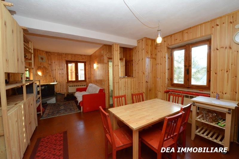 Soggiorno-appartamento-trilocale-residence-le-marmotte