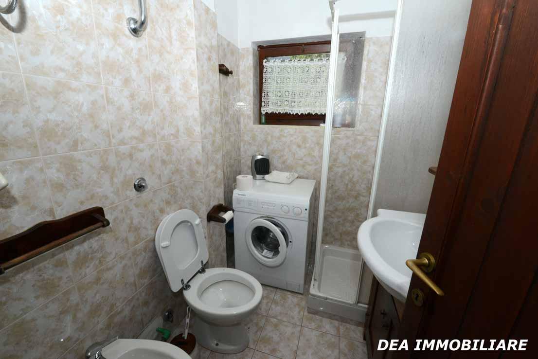 Servizio-con-doccia-appartamento-primo-piano-residence-il-roccione-ovindoli