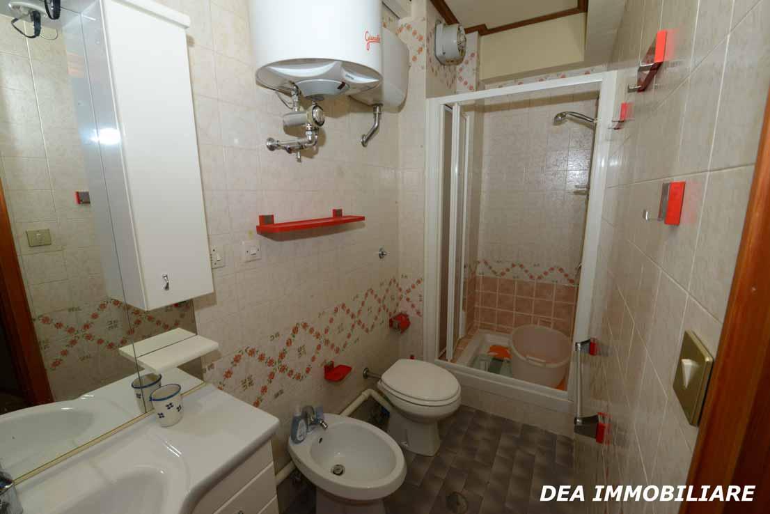 residence-velino-appartamento-bagno-con-vasca