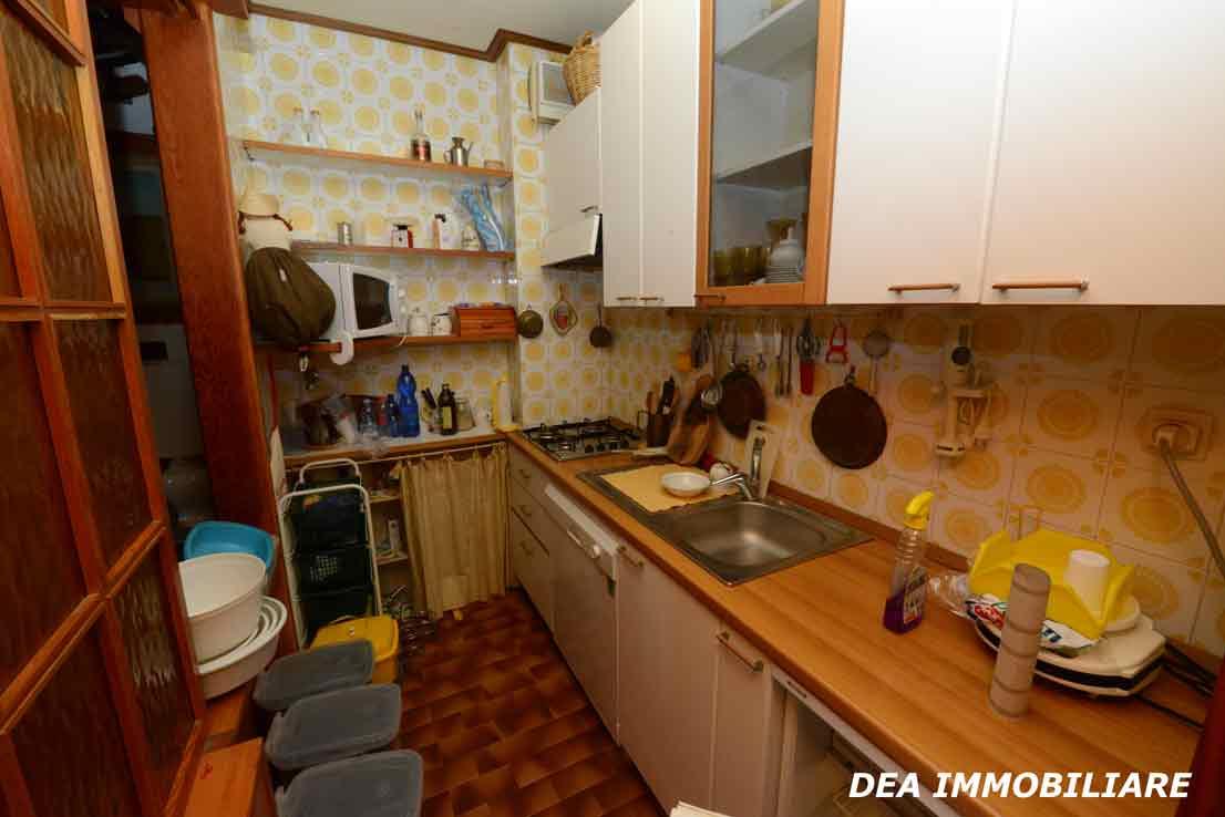 residence-velino-appartamento-cucina
