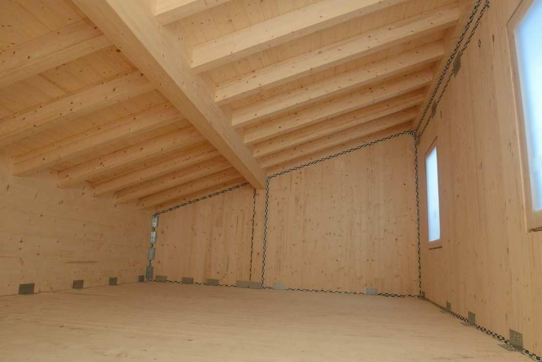 via-faelli-casa-legno-xlam-piano-mansardato-tetto-in-legno-a-vista