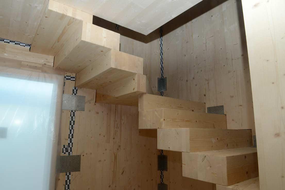 via-faelli-casa-legno-xlam-scala-in-xlam-al-piano